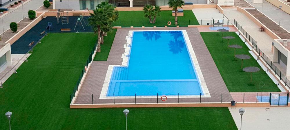 Acondicionamiento de una piscina comunitaria