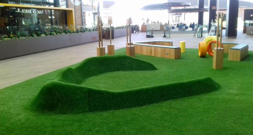 Csped artificial para terrazas en centros comerciales