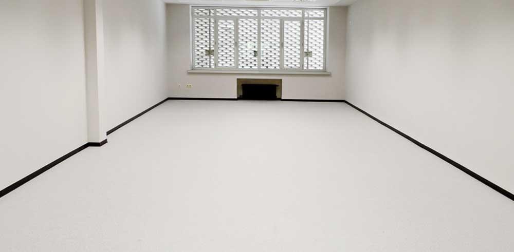 pavimento vinílico de las Aulas de la Facultad de Filología