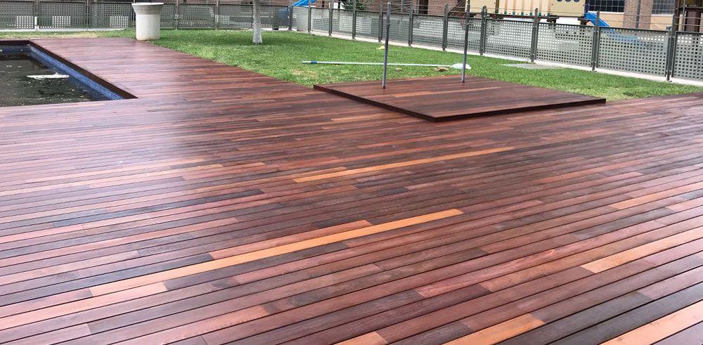 Tarima maciza de madera tropical